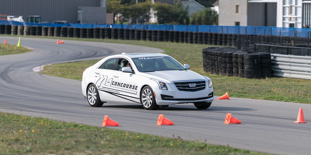 Kursus stir/mengemudi mobil